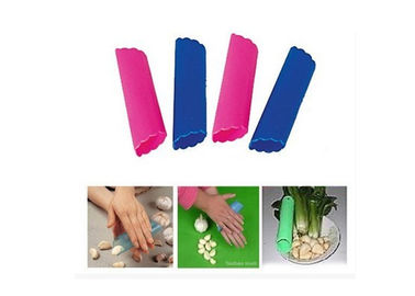 China Kitchen Tool Silicone Garlic Peeler Tube Easy Useful For Peeling Garlic supplier