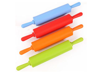 China Durable Silicone Kitchen Accessories Food Grade Non Viscous Silicone Rolling Pin supplier