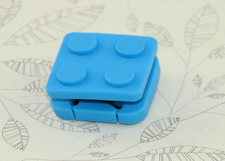 China Portable Silicone Travel Containers Collapsible Silicone Earphone Storage Box / Case supplier