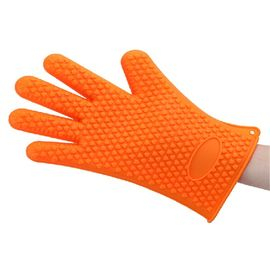 China Non Toxic Silicone Baking Set Size Customized Heart Shaped Silicone BBQ Gloves supplier
