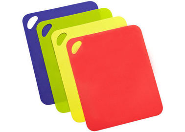 China Durable Food Grade Silicone Chopping Board Non Stick Rectangle Shape Design supplier