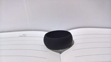 China Black Custom Made Silicone Rubber Wedding Rings For Men , Plain And Simple Style factory