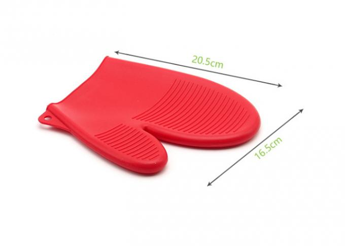 Heat Insulation Protective Silicone Baking Set / Silicone Heat Resistant BBQ Gloves